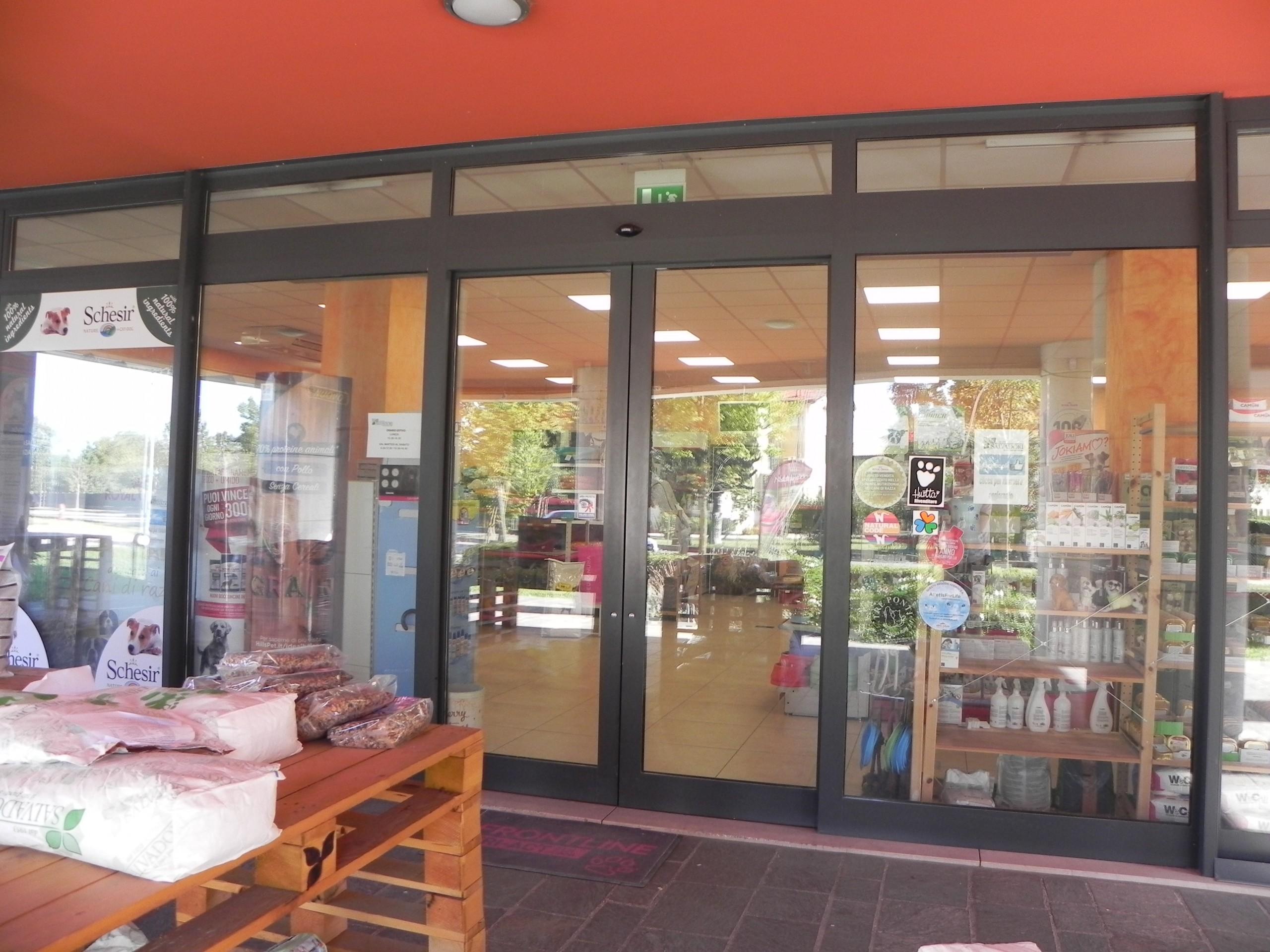Negozio in vendita a Oderzo: la vetrina